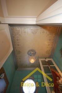 Médaillon de plafond peint