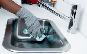 Nettoyage d'un évier